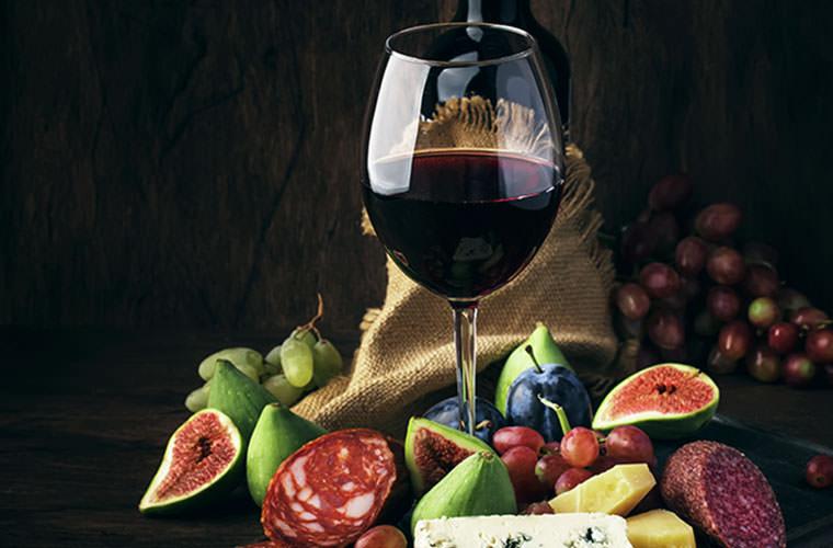 フルーティーで飲みごたえのある赤ワイン