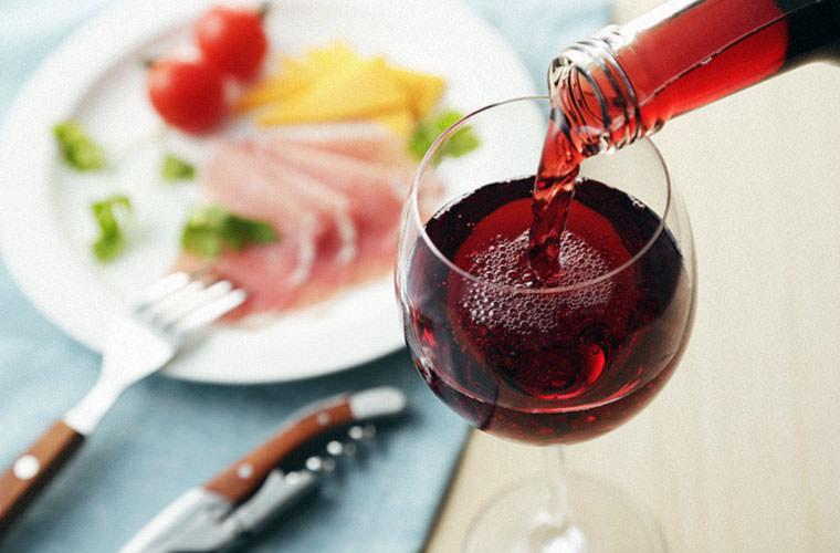 初心者向け 軽くて渋味のない赤ワイン