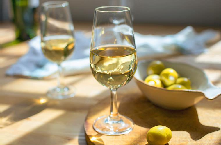 さっぱり上品な白ワイン